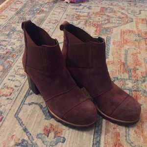 Sorel Margo chelsea heeled ankle booties
